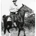 photo de john skolle a cheval